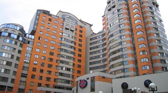 """Stambeni blok """"КАМЕЛОТ"""", Komsomoljski prospect, Moskva, Rusija"""